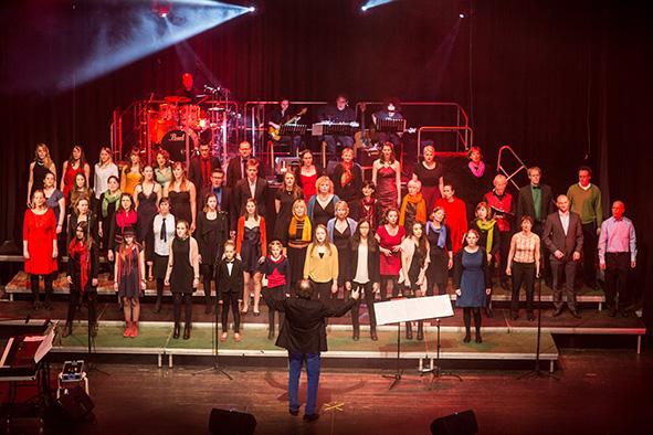 Chor auf der Bühne
